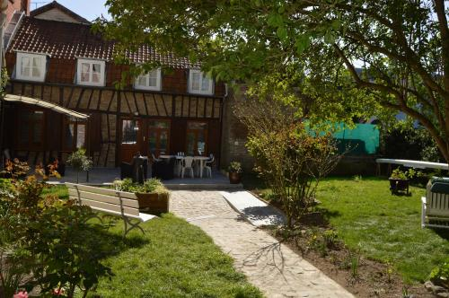 Au Coeur d'Amiens : Guest accommodation near Moreuil