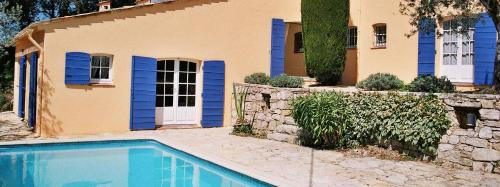 Villa Charmante : Guest accommodation near Claviers