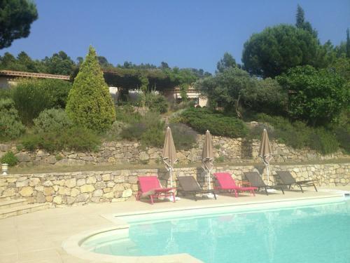 Calme Et Vue Panoramique Plein Sud : Guest accommodation near Tourtour