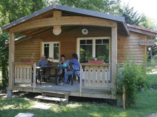 Chalet Domaine Du Moulin Des Sandaux 1 : Guest accommodation near Massugas