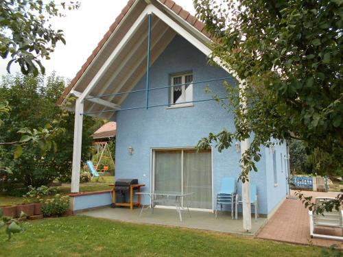 La Maison En Pain D Epices : Guest accommodation near La Petite-Fosse