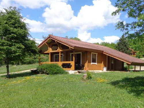 Le Village Du Soleil - Cahors : Guest accommodation near Saint-Matré