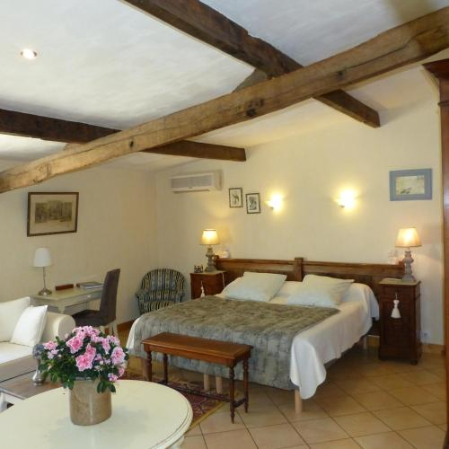 Domaine De La Mouthe : Guest accommodation near Saint-Vivien