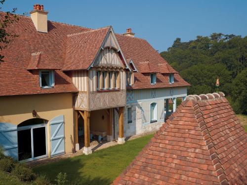 Art Nouveau : Guest accommodation near Bonneville-sur-Touques