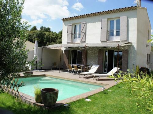 Villa Daphnée : Guest accommodation near Saint-Martin-de-la-Brasque