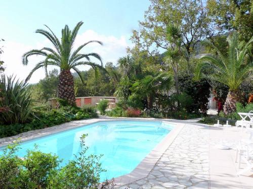 Belle Vue Jusqu Au Lac De St Cassien : Guest accommodation near Le Tignet