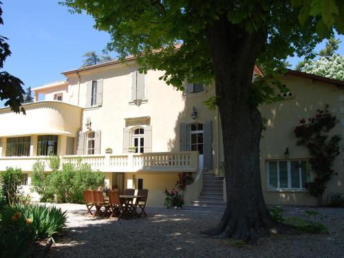 Romarin Vi : Guest accommodation near Saint-Pantaléon-les-Vignes