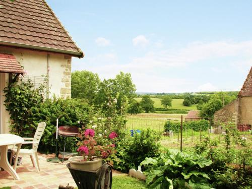 Maison de vacances - VIGNOL : Guest accommodation near Michaugues