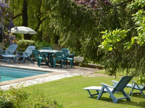 Petits Chaumes : Guest accommodation near Sainte-Eanne