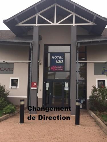 Hôtel Inn Design Resto Novo Chartres : Hotel near Gas