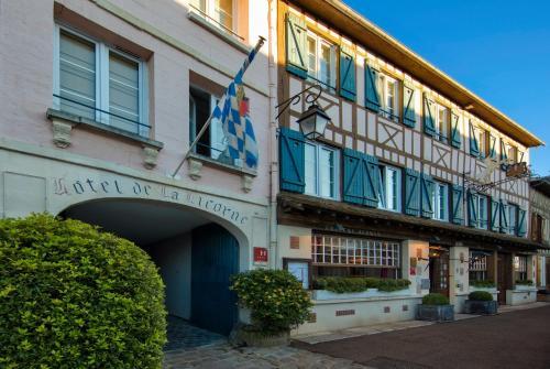 Hôtel La Licorne & Spa : Hotel near Bouchevilliers