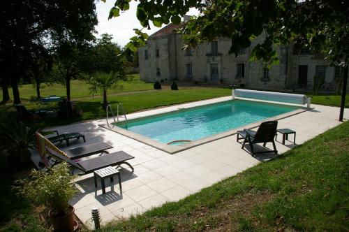 L'Olivier : Guest accommodation near Dercé