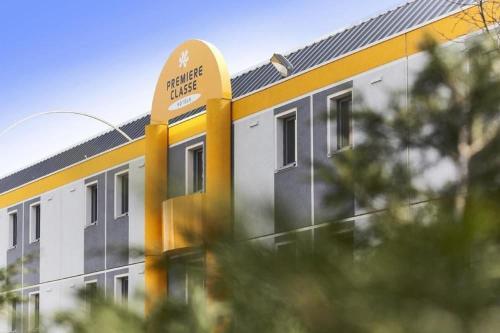 Premiere Classe Saint Brice Sous Foret : Hotel near Mareil-en-France