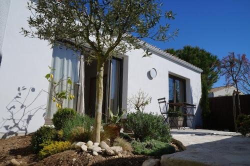 Vacation Home - Maison de vacances : Guest accommodation near Puilboreau
