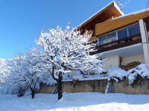RDC Villa plein sud avec vue imprenable : Apartment near Villar-Saint-Pancrace