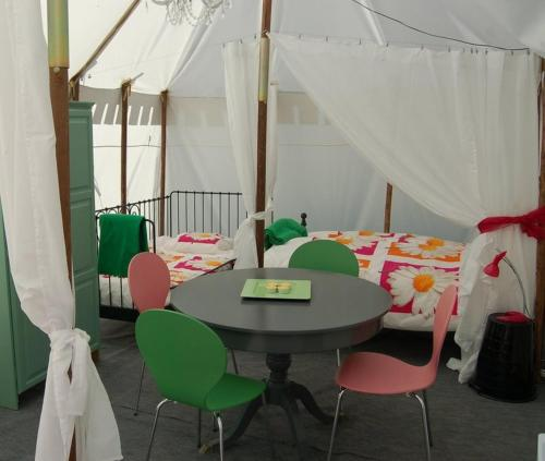 La Vieille Ecole Glamping : Guest accommodation near Escassefort