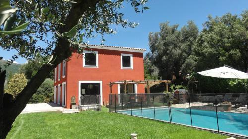 Villa Rouge Piscine Côte d'Azur : Guest accommodation near Coursegoules