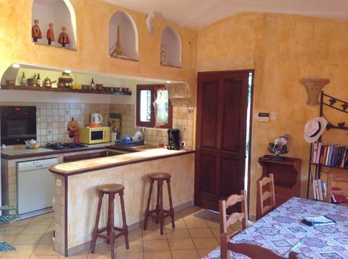 Maisonette La Pinede : Apartment near Saint-Paul