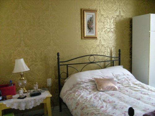 Joli Jardin Chambre d'Hotes : Bed and Breakfast near Saint-Jean-d'Aigues-Vives