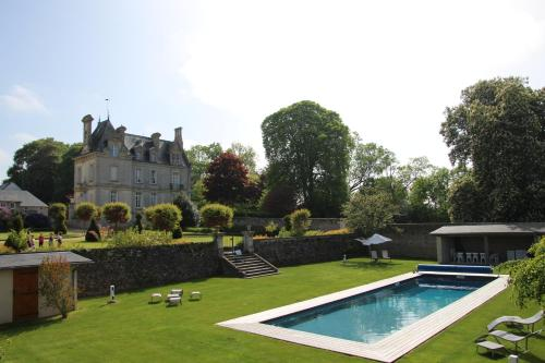 Chateau d'Argouges : Guest accommodation near Mosles