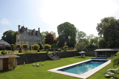 Chateau d'Argouges : Guest accommodation near Bricqueville