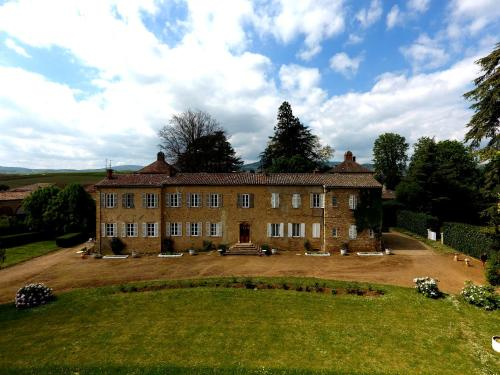 Château de Colombier : Bed and Breakfast near Cogny