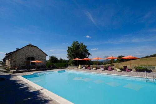 Logis Hotel Le Relais du Teulet : Hotel near Lamativie