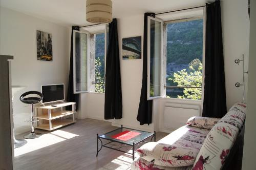 Joly : Apartment near Labastide-Marnhac