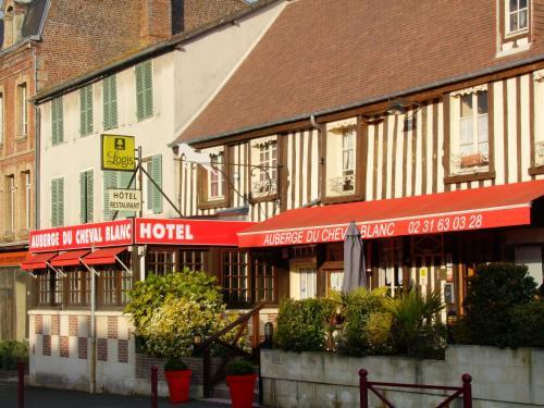Auberge Du Cheval Blanc : Hotel near Maizières