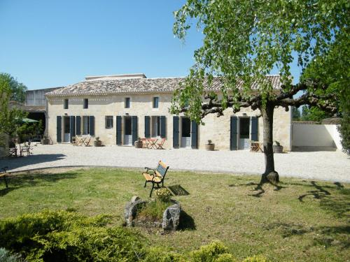 Clos Vieux Rochers Vineyard : Guest accommodation near Saint-Michel-de-Montaigne