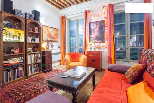 Salon et mezzanine Lyon centre : Guest accommodation near Lyon 1er Arrondissement
