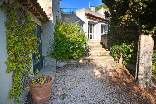 Lou Valat : Guest accommodation near Cassis