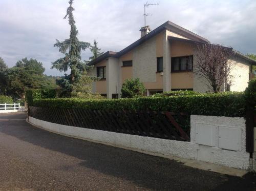 Le Coteau De Ste Foy : Apartment near Oullins