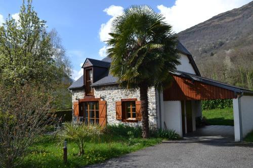 Enço deth terralh : Guest accommodation near Beaucens