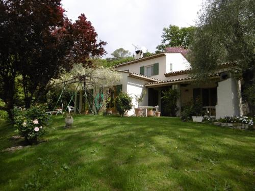 Chez Mme RONCO : Bed and Breakfast near Biot