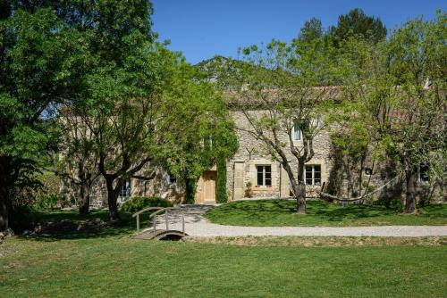 Bergerie de Fontbonne : Guest accommodation near Salinelles