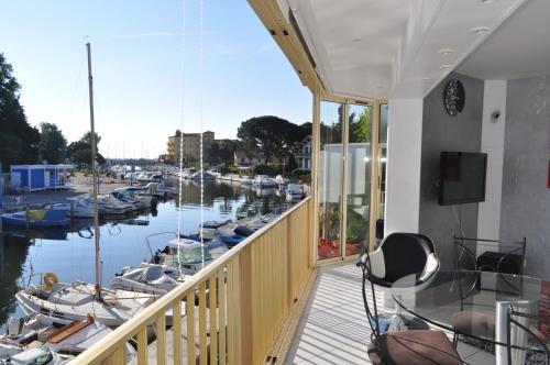Appartement La Nautique : Apartment near Théoule-sur-Mer