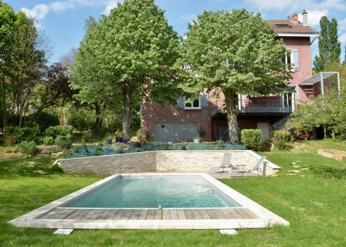 La Villa rose : Apartment near Champagne-au-Mont-d'Or