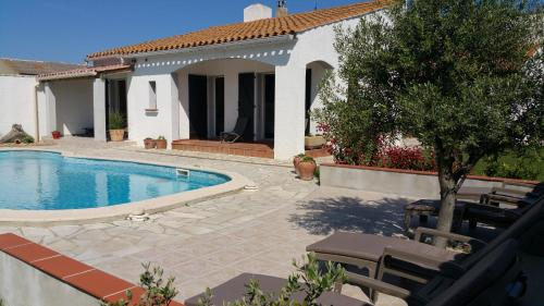 Shqiperia : Bed and Breakfast near Sigean