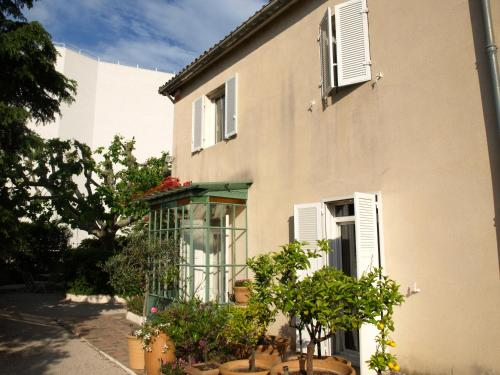 LE MAS DU POISSON - Mas d'Artiste : Bed and Breakfast near Marseille