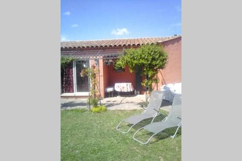 Séjour chez l'habitant entre Nîmes et Montpellier : Guest accommodation near Saint-Dionizy