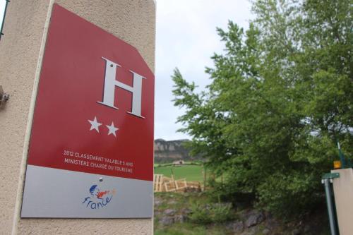 Hotel du Bowling de Millau : Hotel near Compeyre
