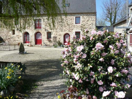 B&B DINAN la priquetais : Bed and Breakfast near La Chapelle-Blanche