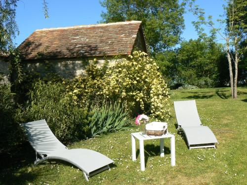Domaine de Genevieve des vignes : Guest accommodation near Saint-Martial-d'Artenset