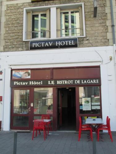 Pictav Hôtel : Bed and Breakfast near Saint-Benoît