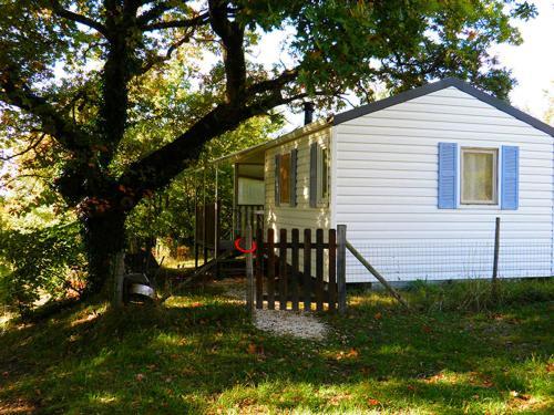 Les Gîtes du Devés : Guest accommodation near Dieulefit