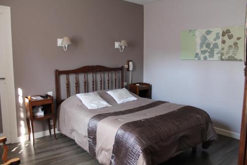 Logis Hotel De La Poste : Hotel near Jailly-les-Moulins