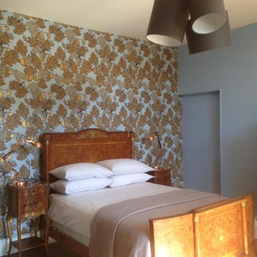 La Cour d'Argent : Bed and Breakfast near Beaulieu-sur-Sonnette