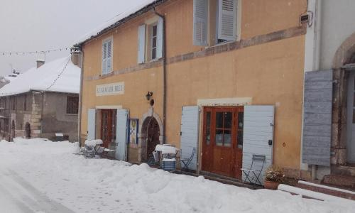 Gite-Auberge Le Glacier Bleu : Guest accommodation near Saint-Crépin