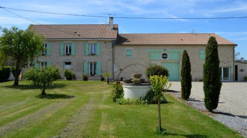 Le Coteau de Bazeille Spa & Sauna : Guest accommodation near Gaujac